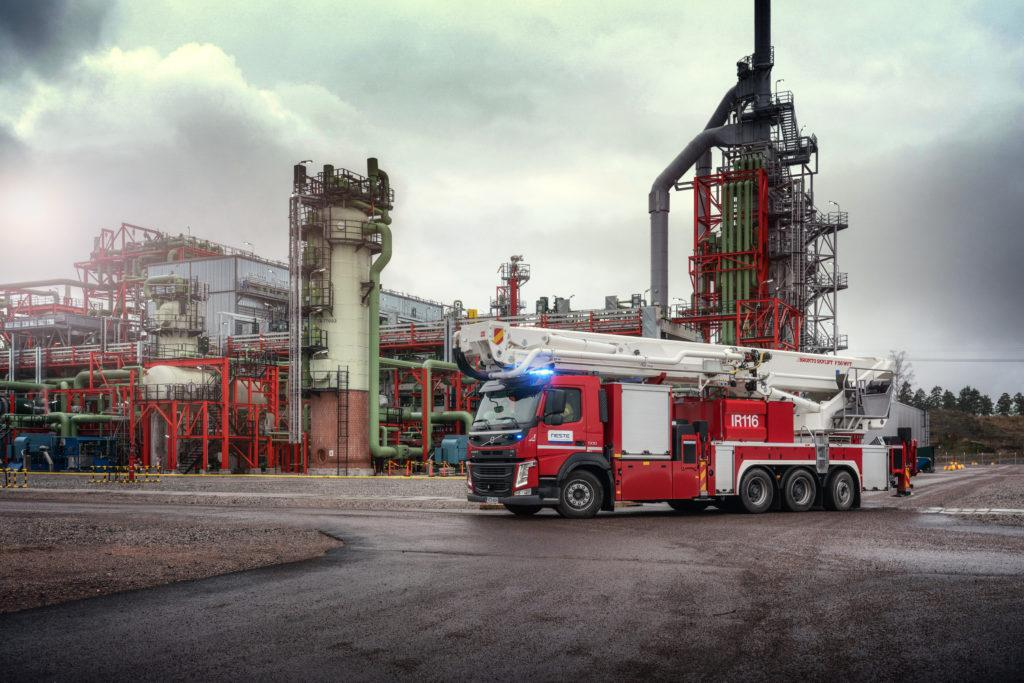 Bronto F56WFT at oil refinery