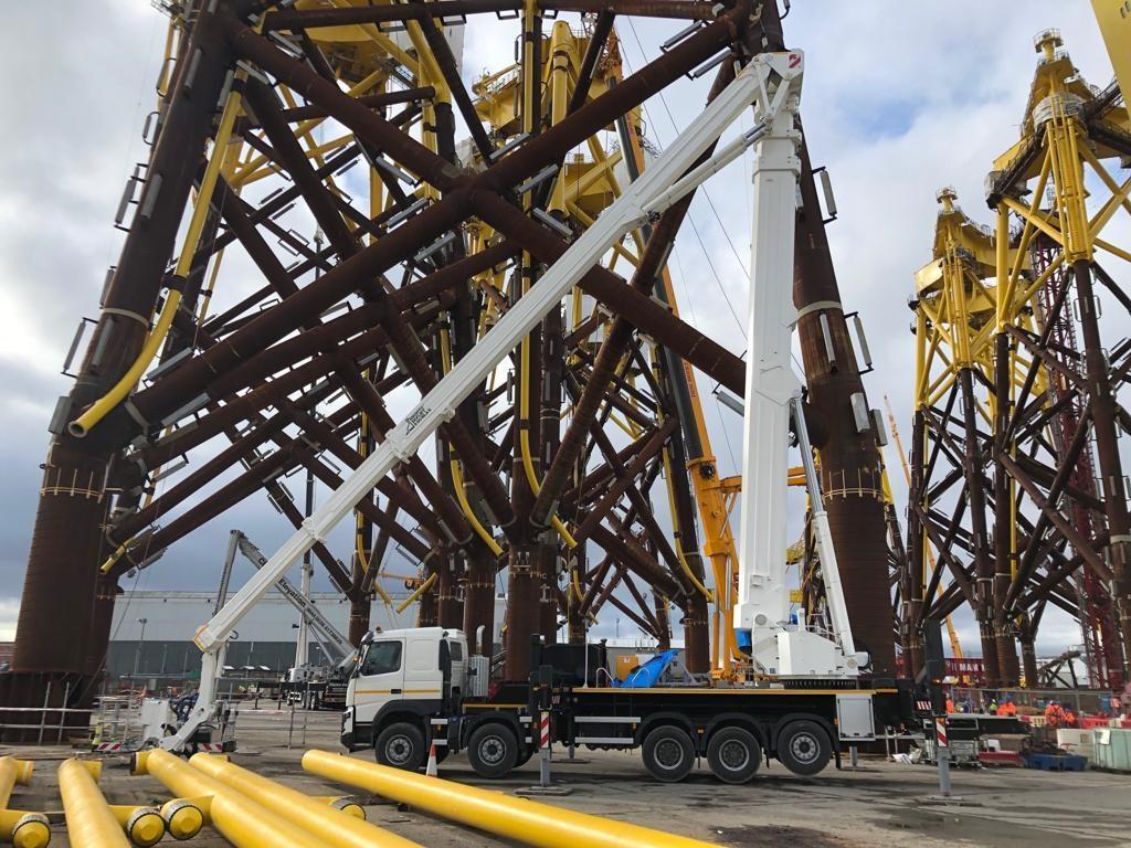 Aerial work platform at Harland Wolff port